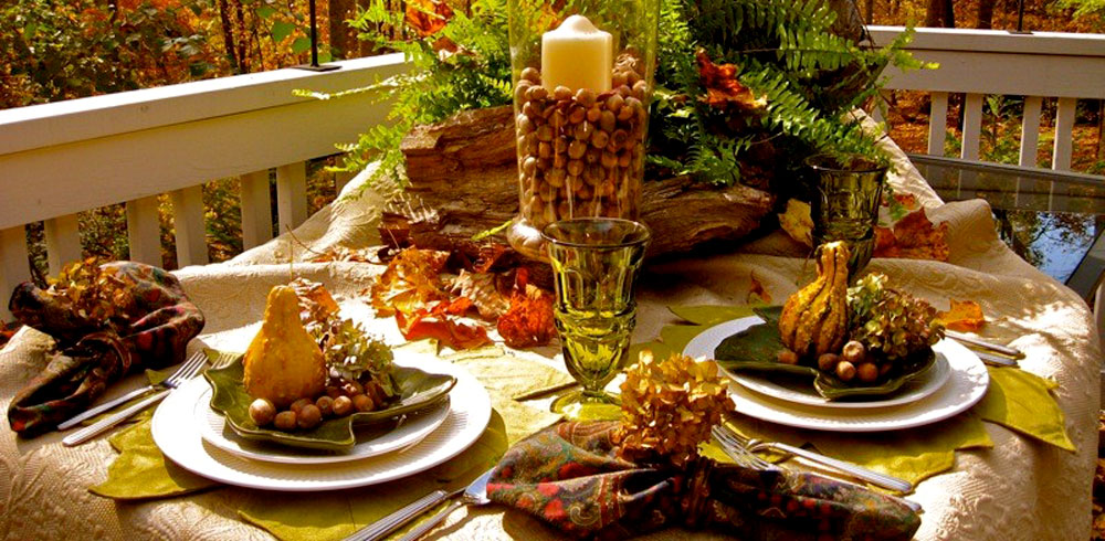 Fall Decorating: outdoor decorating, decorating ideas, porches, dining, dining tables, patio tables, table setting ideas, centerpieces, table centerpieces, fall centerpieces, autumn, fall, outdoors, tablescape, atlanta, georgia, placemats, plates, tree bark, ferns, gourds, decoration