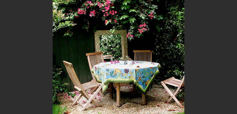 California backyard decor ideas, decorating small outdoor spaces