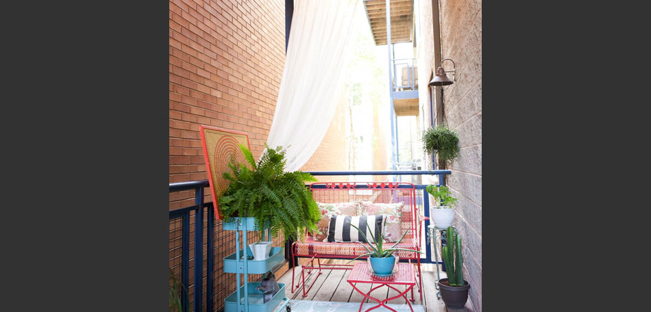 Chicago apartment decor, patio decor ideas, decorating small outdoor spaces