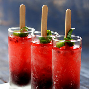 Homemade Popsicles for Adults - Outdoor Entertaining Refreshment