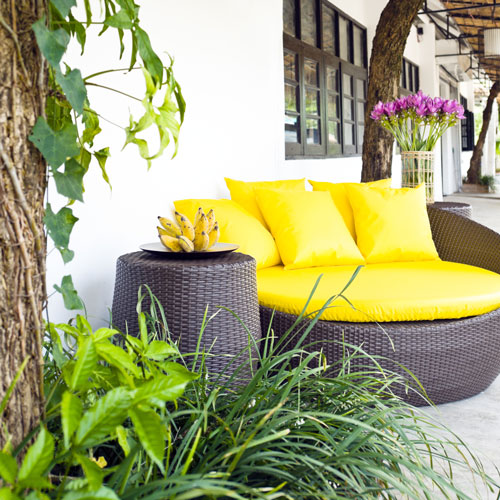 Cleaning Patio Cushions Is An Easy Way To Impress