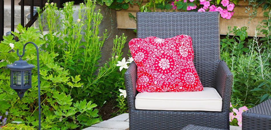 color trends 2014, 2014 color trends, bright colors, outdoor pillows, patio pillows, Asian, decor