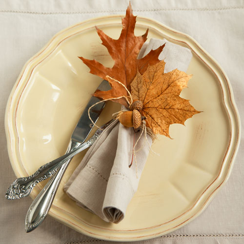 Fall Decorating: outdoor decorating, decorating ideas, porches, dining, dining tables, patio tables, table setting ideas, centerpieces, table centerpieces, fall centerpieces, autumn, fall, outdoors, tablescape