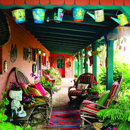 decorating small outdoor spaces, festive Mexican porch