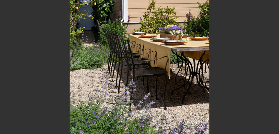 decorating small outdoor spaces, California garden dining table