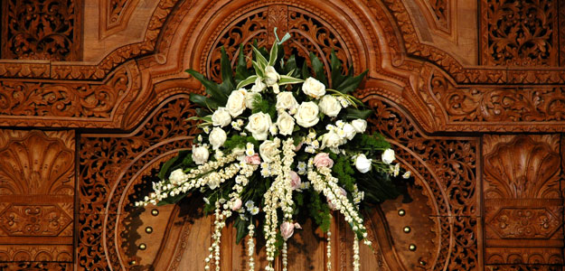 Hanging Flowers: Wedding Boquet