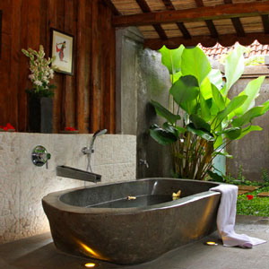 Outdoor Living Spaces: Bath, Garden, Niche, Statue, Figurine, Indonesia, Java, Outdoor Bath, Tropical