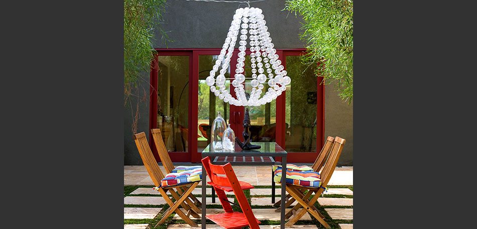 outdoor lighting ideas, patio lighting, outdoor decor, chandelier, dining table