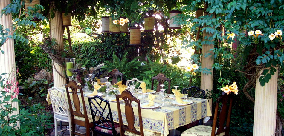Hanging Patio Lights Ideas: outdoor lighting ideas, patio lighting, outdoor decor, hanging lights,  dining table,Lighting