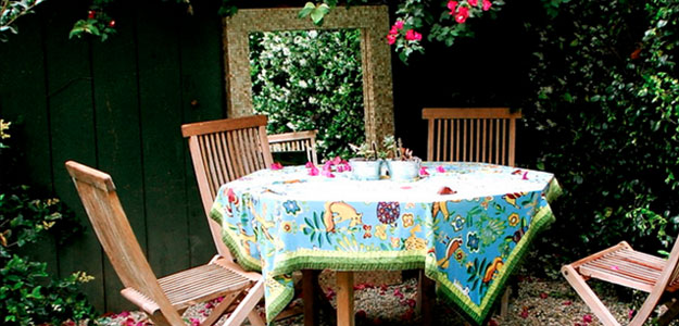 Decorating with Color: Bright Colors - Carla - Style - Patio Tablecloth - Outdoor Decor - Bright Colors