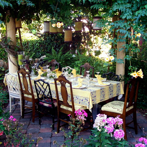 outdoor lighting ideas, patio lighting, outdoor decor, hanging lights, dining table