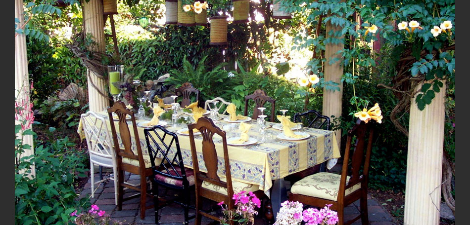 outdoor decorating ideas, 2014, eclectic patio, outdoor dining set