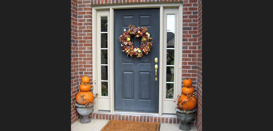 pumpkins, pumpkin, planter, planters, pumpkin planter, pumpkin planters, fall, autumn, homemade, wreath, decor, front door, front porch, fall colors, outdoors, fall wreath, outdoor decor, home made, decorate, fall wreath