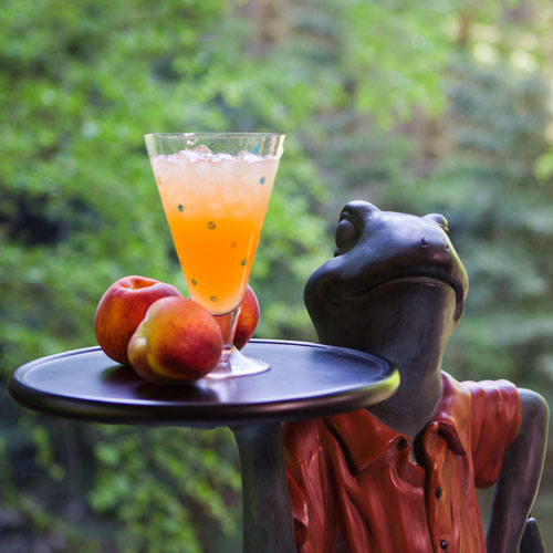 peach recipes, peach mocktail, frog side table