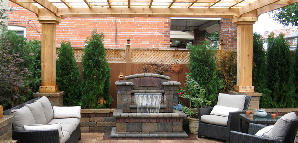 Image gallery patio decor for Pictures of decorated small patios